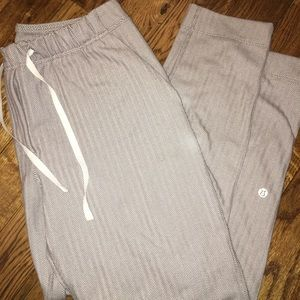 Women's lulu lemon sweatpants